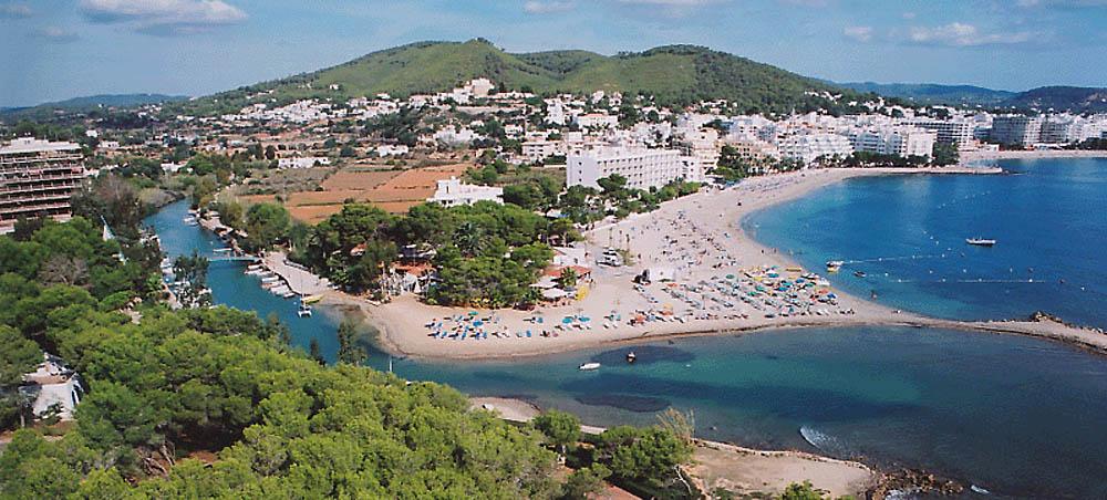 Playa Des Riu Ibiza