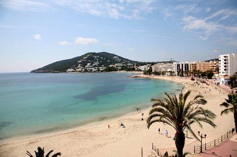 Playa des riu ibiza guida alla spiaggia - Santa eularia des riu ...