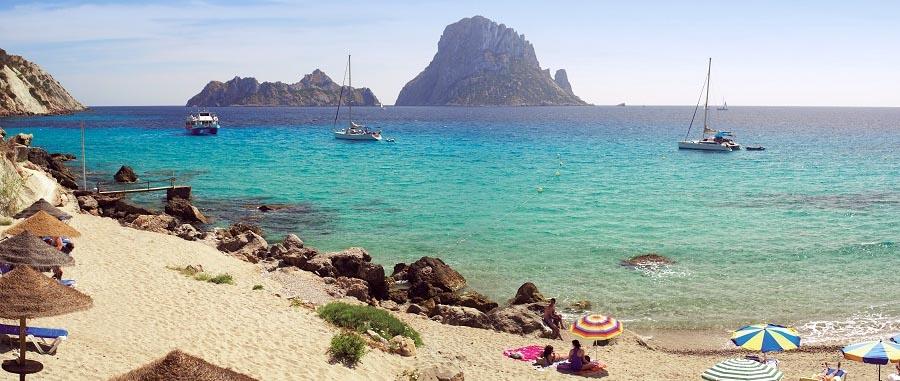 La bellissima spiaggia di Cala D'Hort