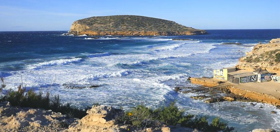Spiaggia in inverno a Ibiza
