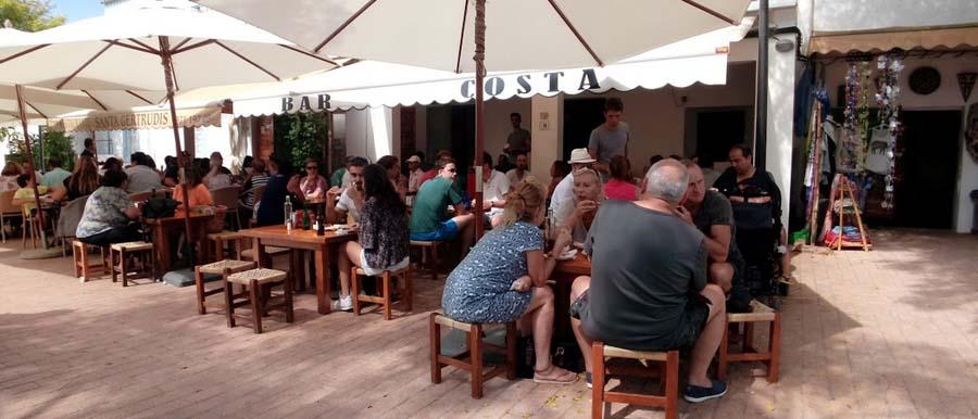 Un'ottima degustazione di cibi tipici al Bar Costa di Ibiza