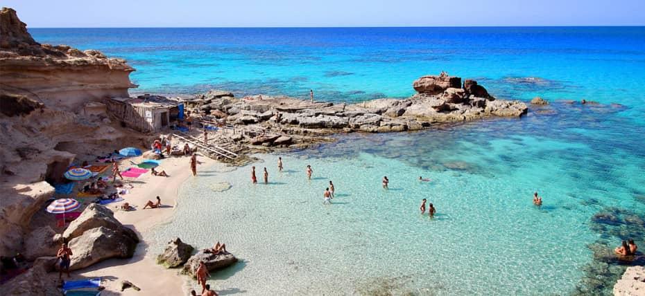 Una delle 10 migliori spiagge di Formentera, Calò des Mort